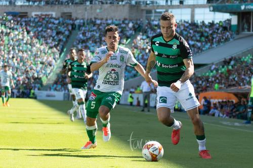 Fernando Navarro Morán,  Jonathan cabecita Rodríguez
