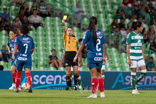 tarjeta amarilla futbol femenil