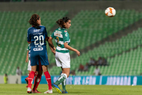 Daniela Lizbeth Solís Contreras (Rayadas), Karla Lorena Martínez Díaz (santos),