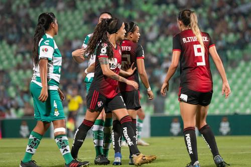 Claudia Ibarra, Adriana Iturbide, Arlett Tovar