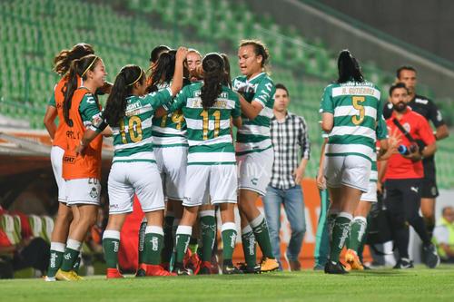 Festejo de gol, Alexxandra Ramírez