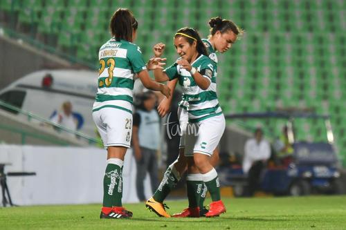 Festejo de gol, Alexxandra Ramírez, Cinthya Peraza