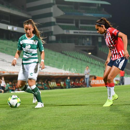 Linda Valdéz 28, María Sánchez 14