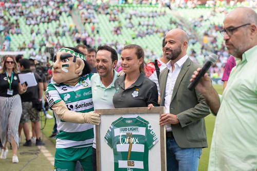 homenaje Isela Ojeda campeona de goleo