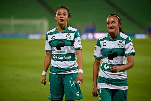 Nancy Quiñones, Brenda Guevara