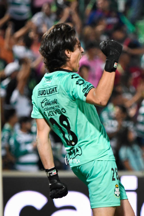 festeja tercer gol, Carlos Acevedo