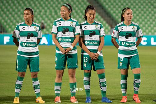 Katia Estrada, Daniela Delgado, Alexxandra Ramírez, Brenda L