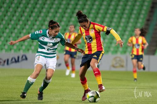 Katia Estrada 14, María Cruzaley 5