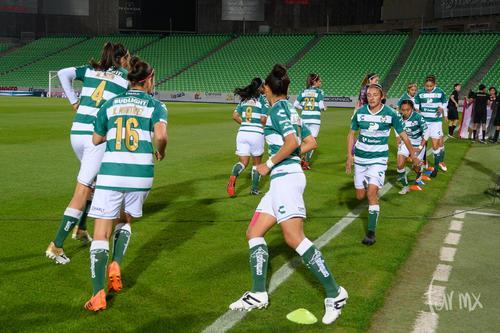 Nancy Quiñones 11, Karyme Martínez 16, Melissa Sosa 4