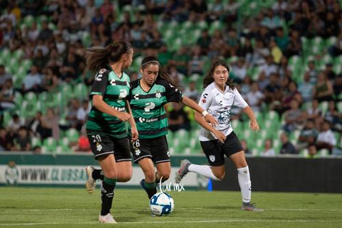 Ashly Martínez, Michelle Vargas