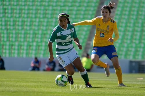 Yahaira Flores, María Elizondo 5