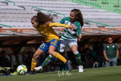 Linda Valdéz, Jaquelin García