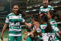 Cinthya Peraza, Daniela Delgado, Karla Martínez, Alexxandra