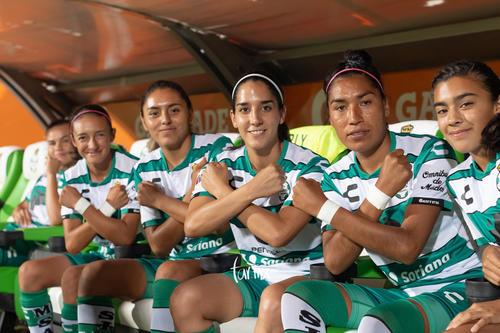 jugadoras, Isela Ojeda, Marianne Martínez, Mayela Reyes, Let