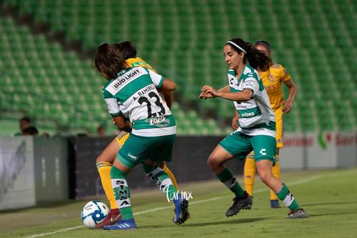 Leticia Vázquez, Alexxandra Ramírez