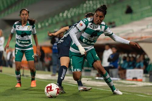 Daniela García, Estela Gómez