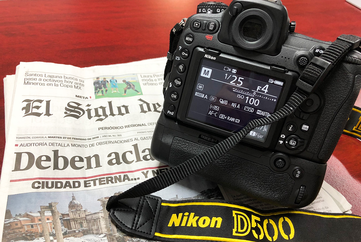 Nikon D500 con grip